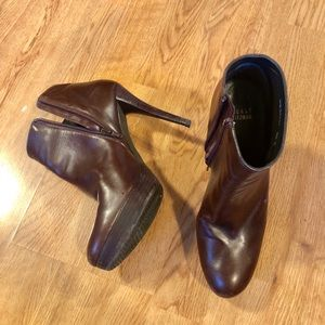 Stuart Weitzman brown heeled Booties boots 8.5